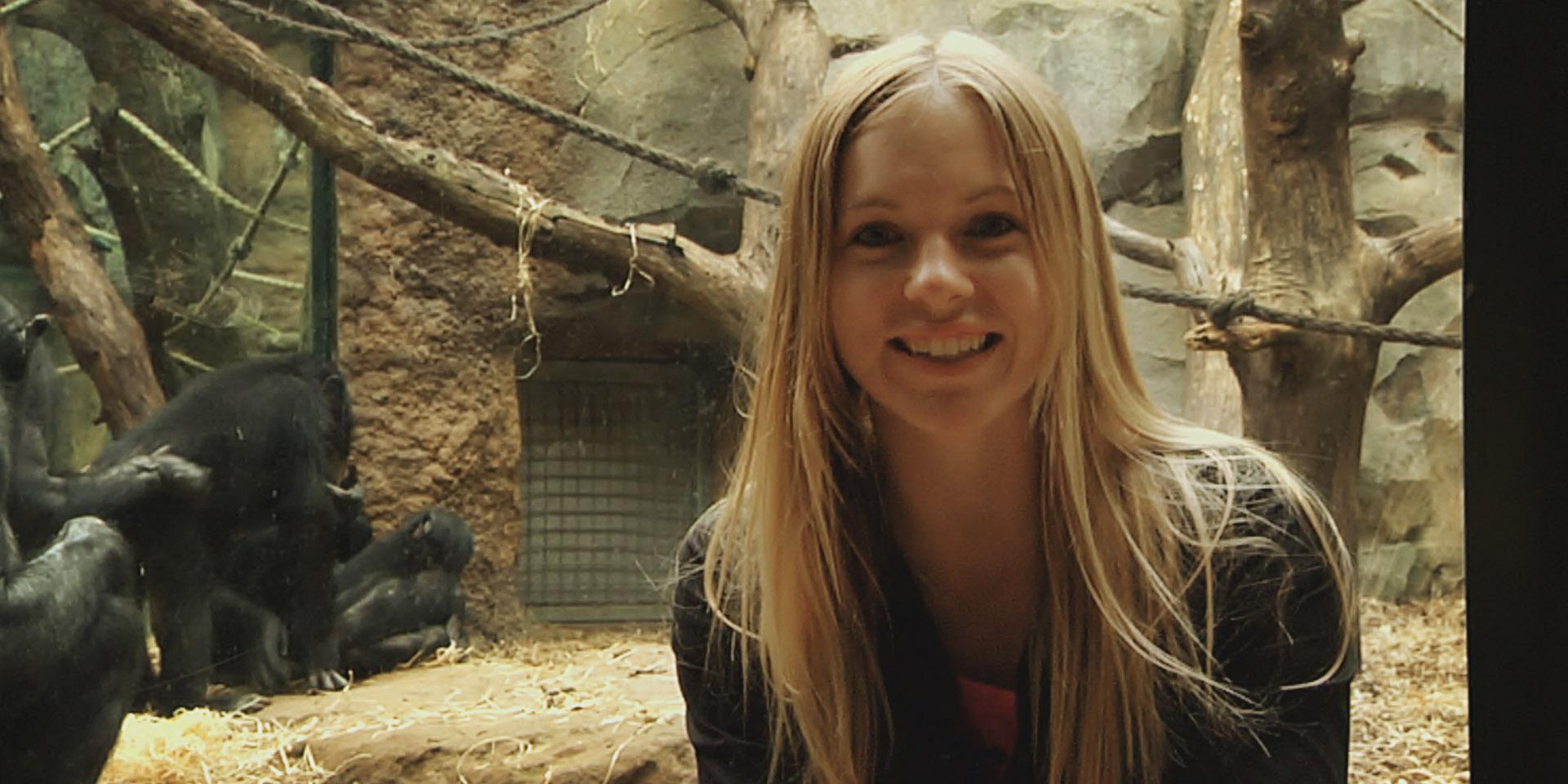 """""""Bonobos machen's bis zu 50 Mal am Tag!""""   Ein Film von Hartmut Schotte. Mit Denise Monteiro, Christian Stock, Nadine Petry & Thorsten Tinney. Produziert von Firstgrade & VPS Media."""
